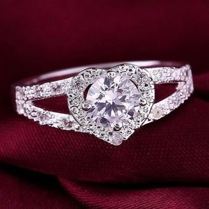 Sterling Silver Spilt Shank Crystal Ring